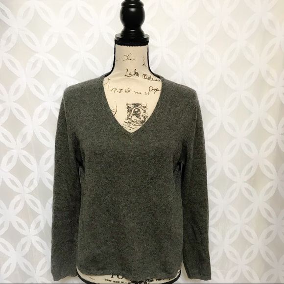 0ff6e6267e1 Sutton Studio Cashmere Petite Sweater. M 5a598e849cc7ef63b63a5948